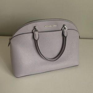 Micheal Kors purse/crossbody